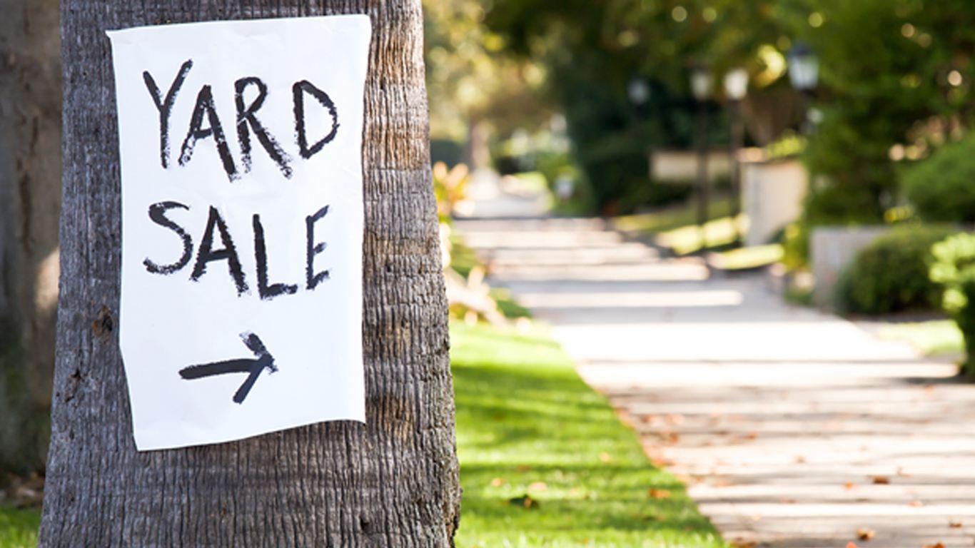 Image of a yard sale board , Blog, Perfect Image Printers